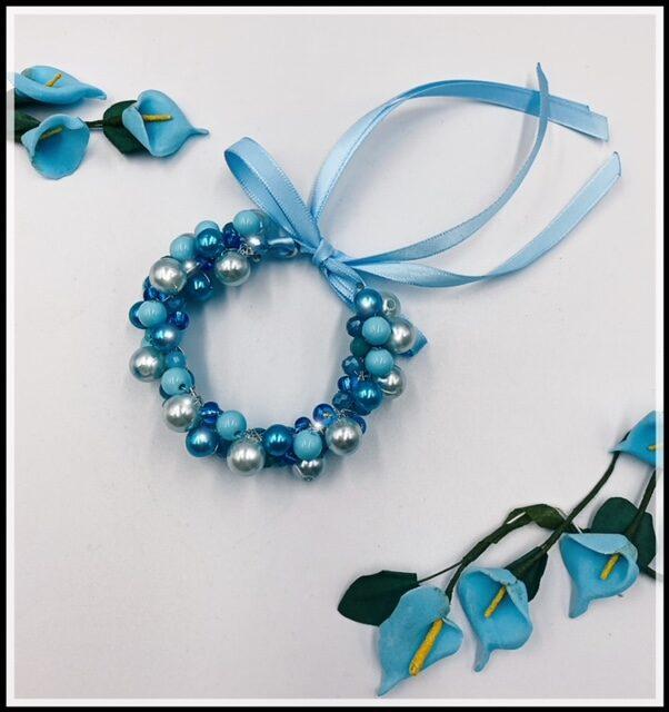 Ievas Sutugovas gaiši zila rokassprādze