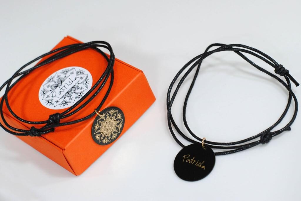 Patrishas mandalu kaklarota vai rokassprādze